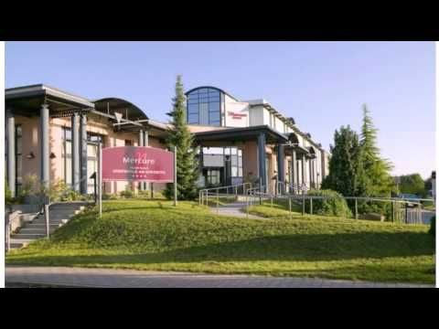 Mercure Hotel Greifswald Am Gorzberg - Greifswald - Visit http://germanhotelstv.com/mercurehotelgreifswaldamgorzberg This 4-star hotel is in the business park of the university town of Greifswald. It offers free Wi-Fi modern spa facilities and modern rooms with a free minibar.  The Mercure Hotel Am Gorzberg has brightly furnished quiet rooms with satellite TV. -http://youtu.be/_rpR34dX-fI