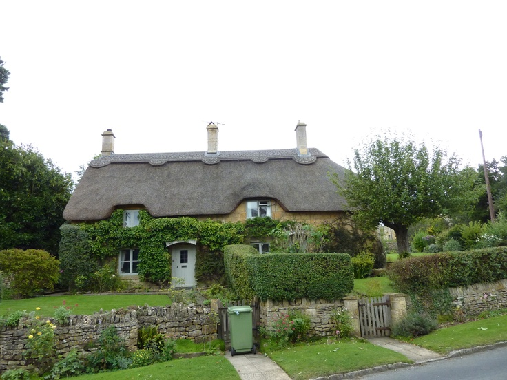 Cosy Cottage in Cotswold