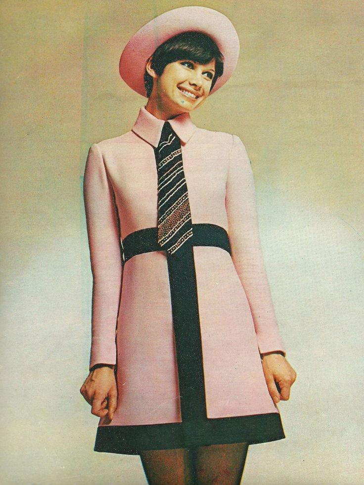 Model in an outfit designed by Ted Ladipus, French Vogue, April 1969. (♥)