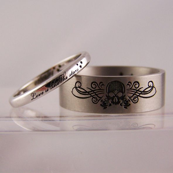 engraved stars skull wedding ring set httpwwwweddingringpictures - Skull Wedding Ring Sets