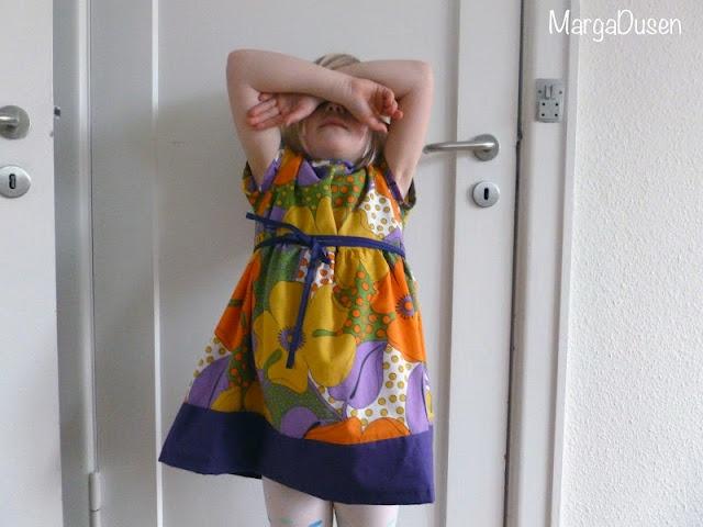 Kjole i retrostof, Retro dress