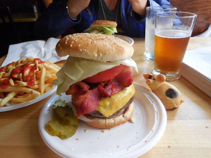 Bistro Burger - Corner Bistro - Greenwich Village, Manhattan, NY