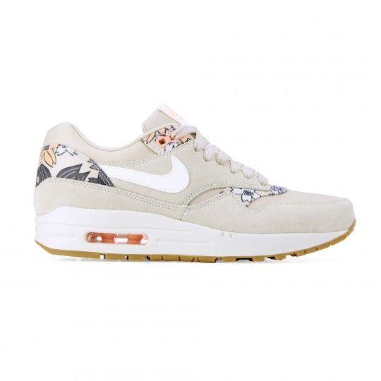 sneakers for cheap 8db4a 30edf Super blij met mijn aankoop!! Wat een weekendje Amsterdam wel niet kan  doen!   Shoes   Pinterest