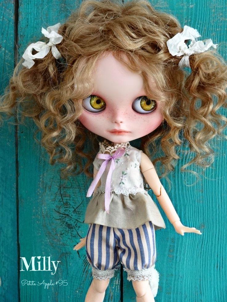 Petite Apple clothing for Blythe dolls zibbet.com/marina