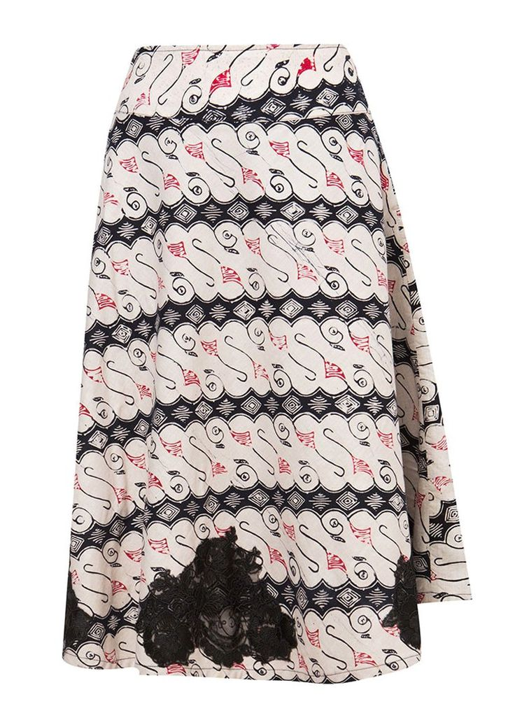 Rok Garut Trikot by Batik Etniq Craft. Batik garut skirt with a batik pattern, skirt that made of cotton, with a combination of black and white color, zipper on the side, laces details on the tip, perfect for any occasion.   http://www.zocko.com/z/JH0UI