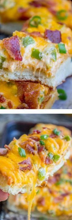 Jalapeño Popper Chee Jalapeño Popper Cheesy Bread with Bacon from The Food Charlatan. Its like Jalapeño Poppers and cheesy bread got married! What could be more delicious than the cream cheesy filling spread on top of french bread and baked to perfection? Wait dont forget the bacon! Recipe : http://ift.tt/1hGiZgA And @ItsNutella  http://ift.tt/2v8iUYW  Jalapeño Popper Chee Jalapeño Popper Cheesy Bread with Bacon...