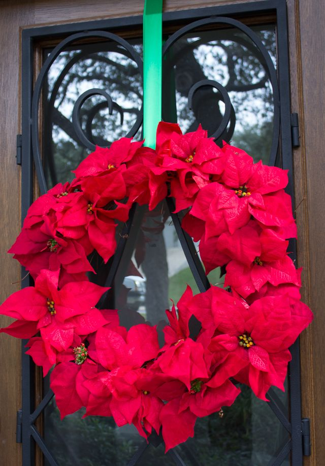 DIY Poinsettia Christmas Wreath - make in 15 minutes!