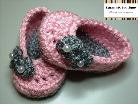 Crochet Baby Girl Slippers with Flowers and Pearls