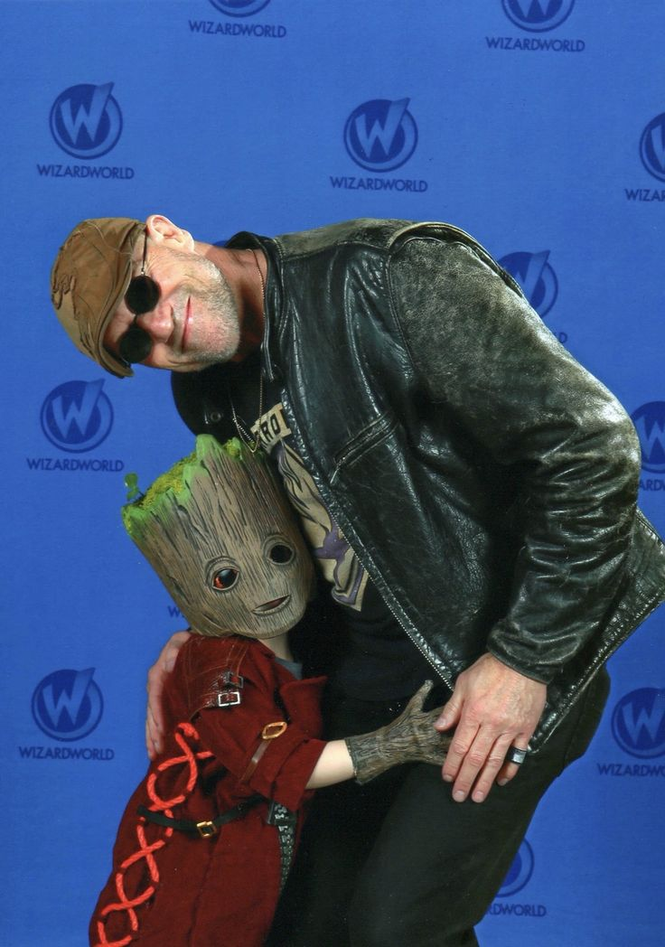 "Michael Rooker Wizard World 11/2017 Austin -- @joeymarciel twitter --""@RookerOnline thank you so much for this picture. It was fantastic. @jamesgunn thank you for creating a wonderful movie and for hiring this awesome guy! #babygroot #gotgvol2 #iamgroot"""
