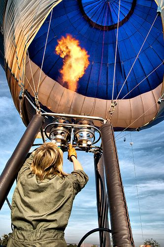 Inflating / Inflando by Chaval Brasil, via Flickr