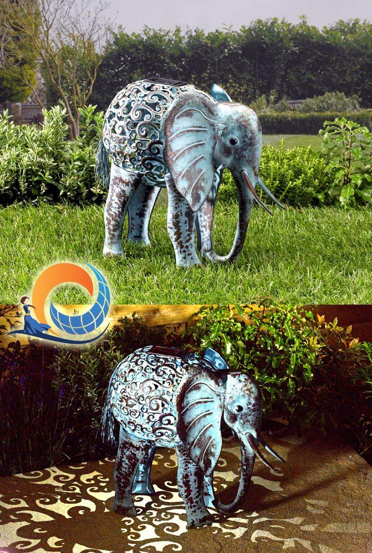 Per il tuo #giardino #etnico! Ecco l'elefantino a energia solare, con doppia opzione: LED fisso luce bianca, e LED cambiacolore. Genera romantici giochi di luce e di riflessi sulla superficie attorno, grazie ai disegni intarsiati nel corpo. In metallo, resistente agli agenti atmosferici.