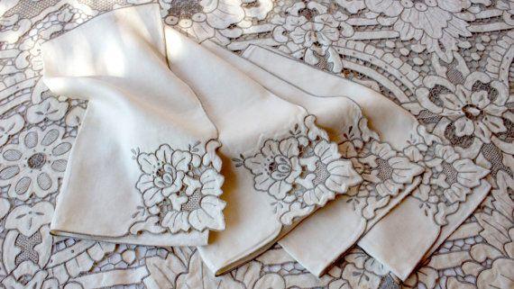 Vintage Lace Linens Set 12 Napkins Venice Lace by BelladonaVintage