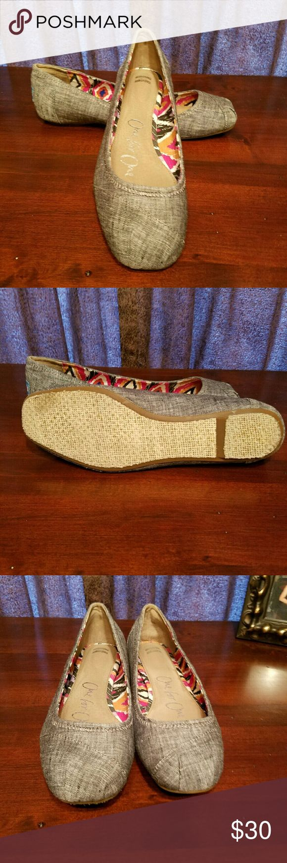 Toms Ballet Flats Toms ballet flats size 10.  Worn only a few times.  I excellent condition Toms Shoes Flats & Loafers