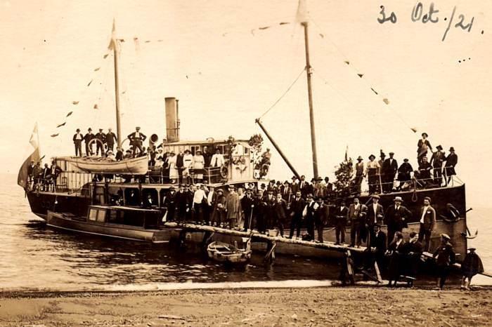 Foto de don Walterio Horn Pozzi: el vapor Santa Rosa en 1921 cuando era el amo del lago Llanquihue (Patagonia Norte, Chile)