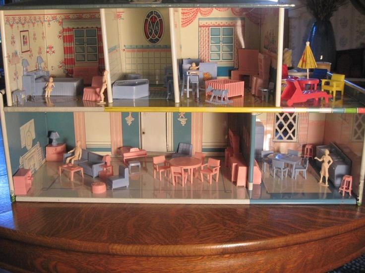 Vintage T.Cohn Tin Dollhouse W/Superior Furniture U0026 Family