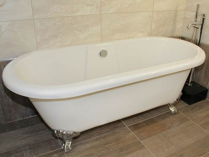 Photo Gallery For Website White Monroe Freestanding Bath This beautiful free standing bath is made from high quality thick perspex which provides sturdy form and design The bath