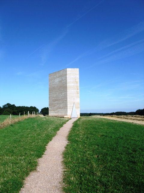 「ブラザークラウス野外礼拝堂」(スイス)設計;ピーター・ズントー