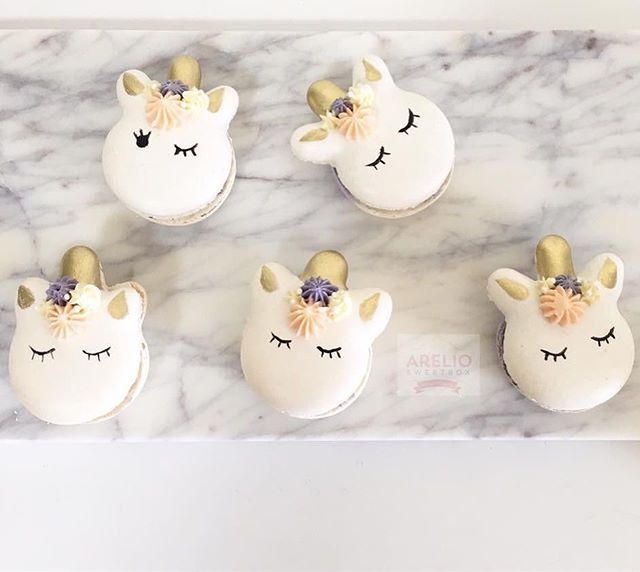 @arelio_sweetbox created unicorn macaron magic !  Loving these!  Handpainted using edible art paint from @sweetsticksau  Find these vendors on the Directory