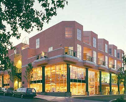 Mixed-use/Retail   Leavitt Capital Portland Oregon