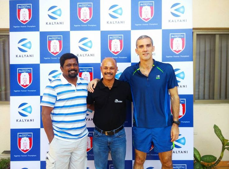 Sportstec India's Adrian Fox with the Bharat FC coaching staff #proud #SeePotential