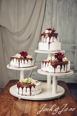 3 szintes törtfehér fa tortaállvány - Tres | Jack&Jane tortaállványok