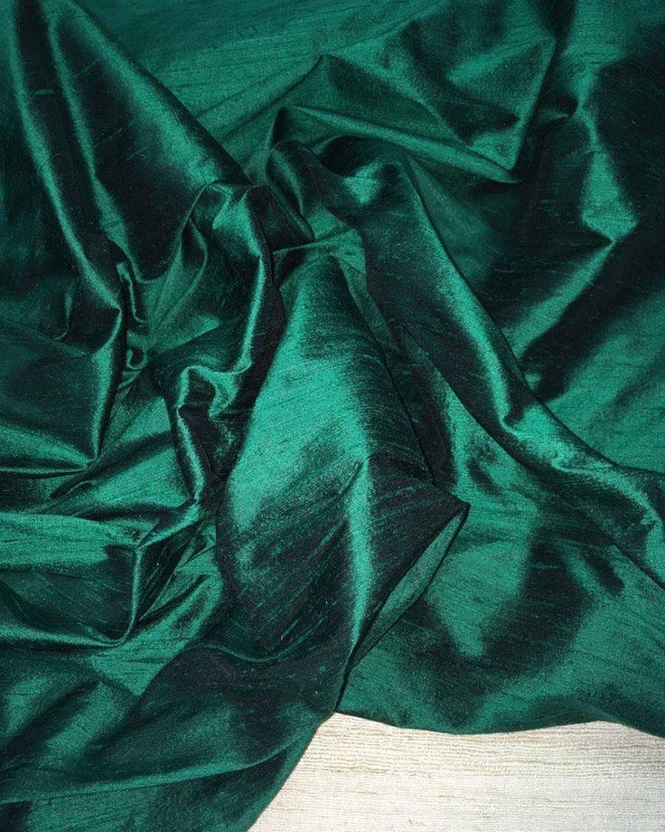 10 отметок «Нравится», 1 комментариев — OLMATEX – Ткани для ваших идей (@olmatextkani) в Instagram: «Дикий шелк #Дюпион цвет изумрудный. Ширина 137 см. Состав 100% натуральный #шёлк. Ткань плотная,…»
