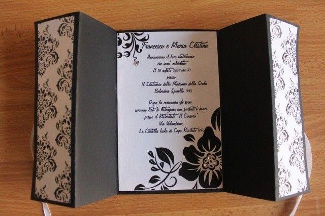 partecipazione elegante bianca e nera per le nozze
