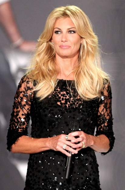 Faith Hill wearing the Samantha Heather Ring!