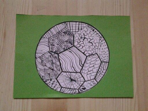 Met kroontjespen patroontjes gemaakt.