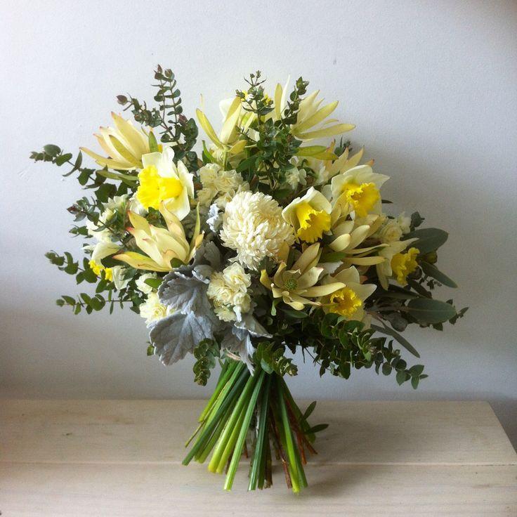 daffodil and leucodendron, lemon inspired bridal inspo