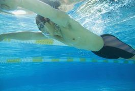 Swimming is a demanding cardiovascular activity that burns a high number of calories. Half an hour of vigorous lap swimming burns between 300 and 444 calories, while crawl and butterfly can burn close on 500 calories in the same amount of time.  Replacing these calories by eating the right types of food is vital when it comes to optimizing...