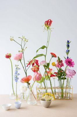 Purple Area: Glasvaser och sommarens sista blommor © Marjon Hoogervorst
