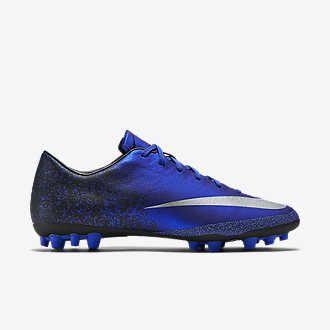 Ποδοσφαιρικά παπούτσια και ρούχα Nike CR7. Nike.com GR.