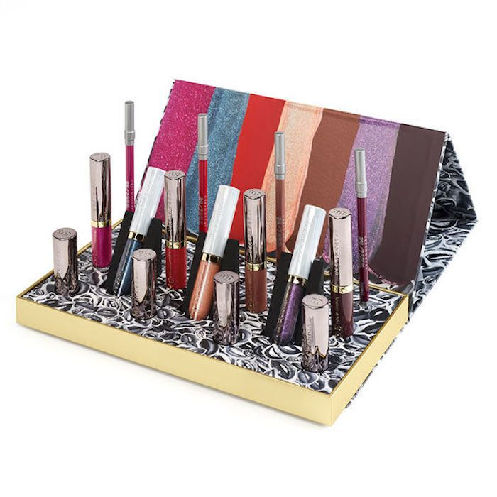 http://www.revelist.com/makeup/urban-decay-holiday-2017/9813/But of course, what really matters is the lipsticks inside. LOOK at all of this beauty!/2/#/2