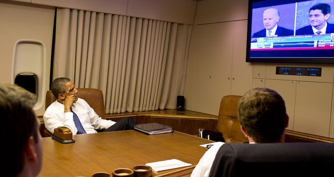 Obama Watches Debate From Air Force One (PHOTO) | TPM LiveWire
