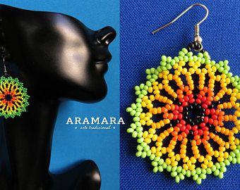 Arte Huichol cuentas ronda aretes AR-0145 Huichol, México pendientes, joyería mexicana, aretes Huichol, Huichol beadwork, pendientes de la ronda