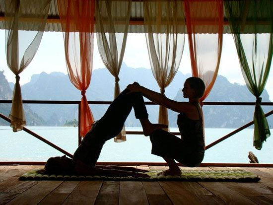 Jungle Yoga thailand--Peace in the middle of nowhere... Yes please!
