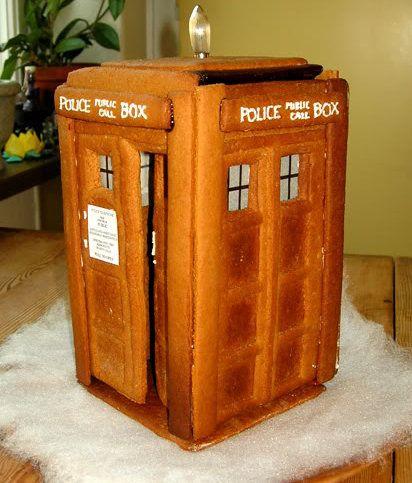 gingerbread TARDIS!