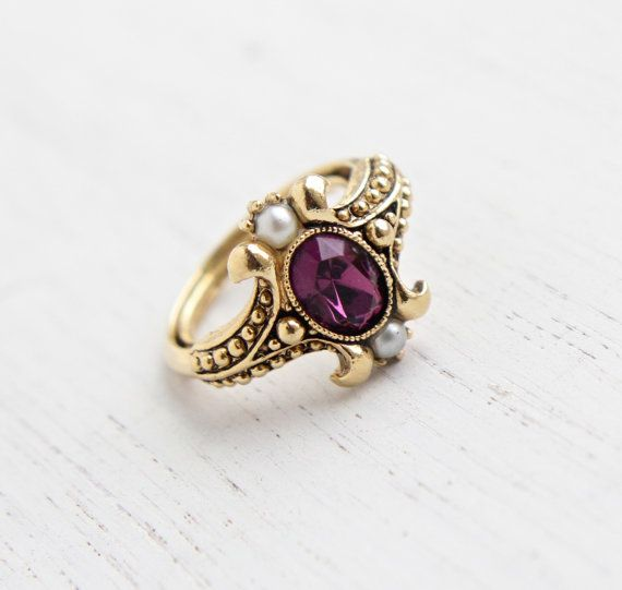 Vintage Faux Amethyst Amp Pearl Ring Retro 1970s Gold Tone