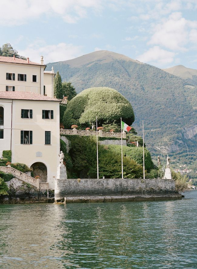 How to Elope to Lake Como Italy: http://www.confettidaydreams.com/elope-to-lake-como-italy/