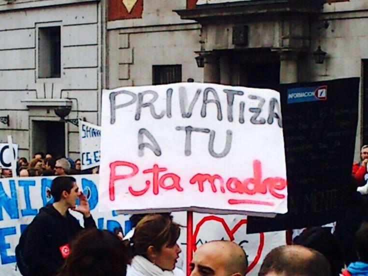 Protestos pelas ruas de Madrid. Próximo a Atocha