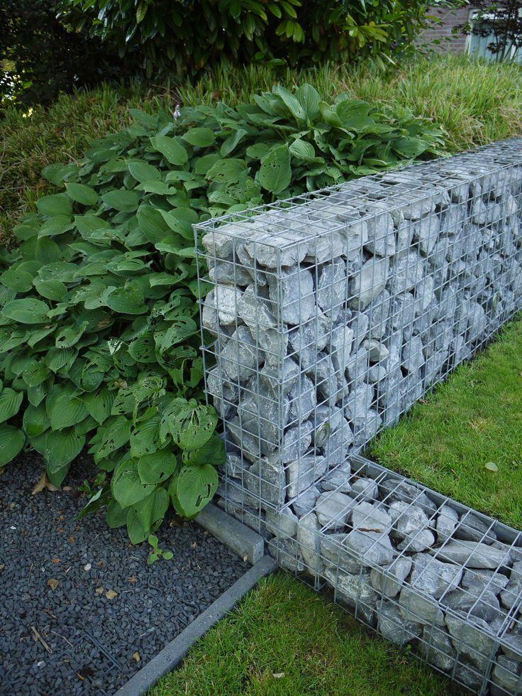 33 best images about tuinen met niveauverschil on pinterest geranium patricia met and pergolas for Tuin decoratie met stenen