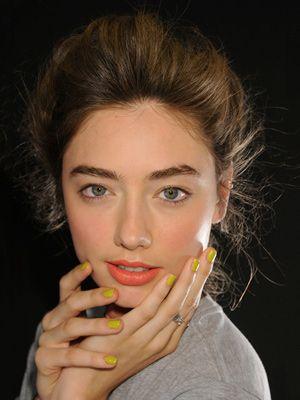 yellow nails: Karen O'Neil, Nails Trends, Yellow Nails, Coral Lips, Nails Colors, Fashion Week, Nails Polish, Karen Walker, Lips Colors