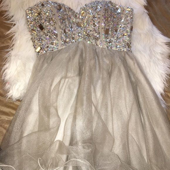 Grey Studded Homecoming/8th grade dance dress Classy short dress, studded at top, perfect for homecoming or any junior high event, corset back! Strapless sweetheart neckline. Worn once! Dresses Strapless