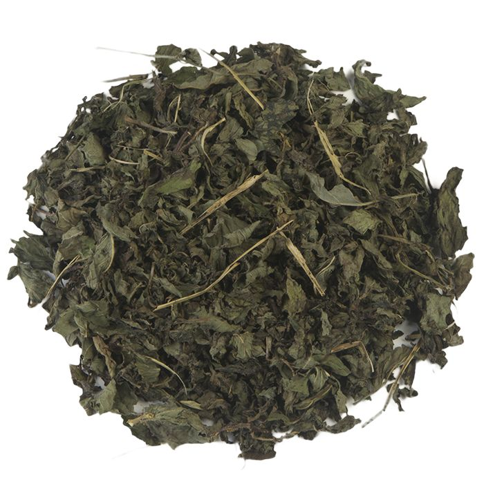 PEPERMUNT HEEL | De pepermunt die je terug proeft in deze thee wordt op een voorzichtige manier gedroogd, waardoor een hoogwaardige kwaliteit wordt behaald. De thee heeft een bijzonder hoog gehalte van etherische oliën, wat de thee een aangename geur en intense smaak mee geeft. |