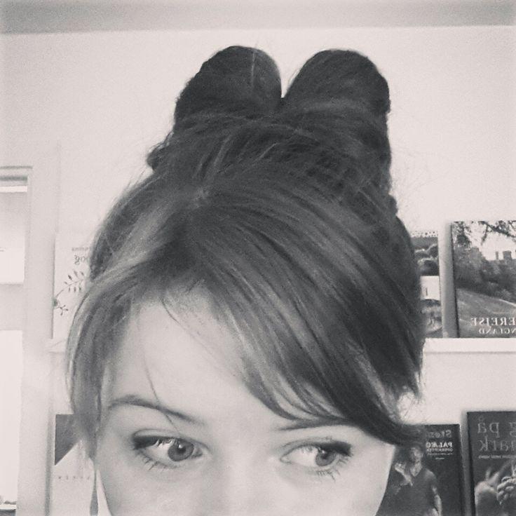 Hair-Bow-Bun