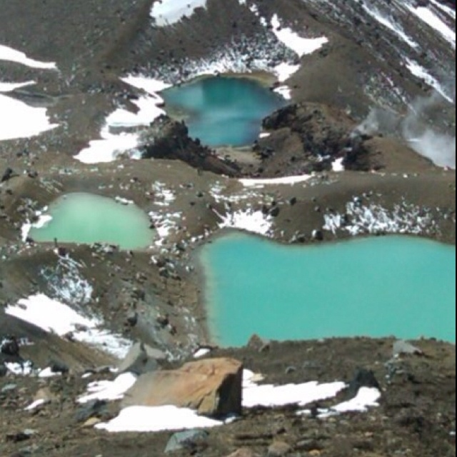 Tongariro Crossing in New Zealand North Island: Emerald Lakes. One of my favorite day hikes.