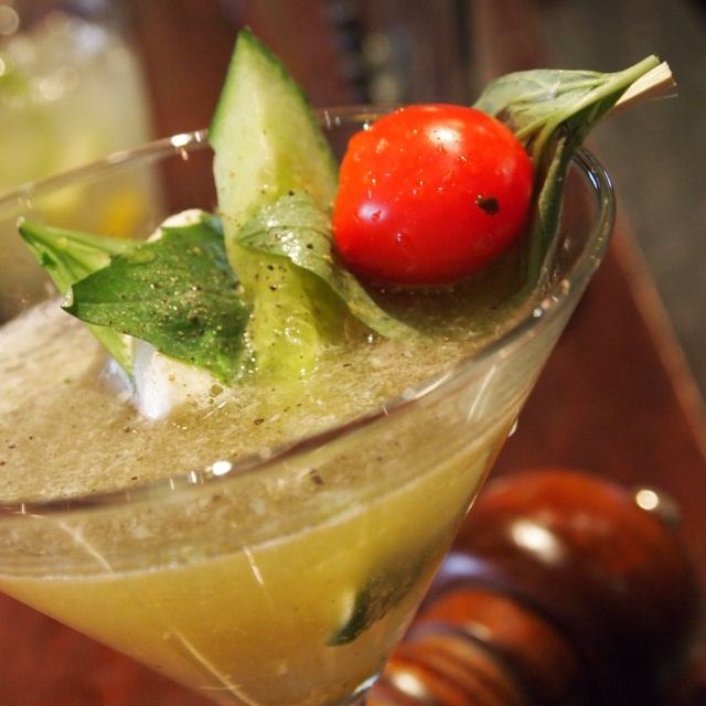 caprese martini = yum | Wine Not? | Pinterest