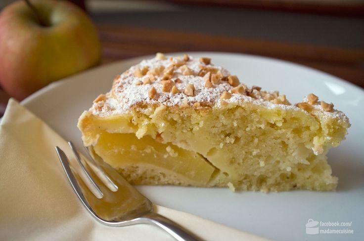 Meine liebe Freundin und Trauzeugin Dagi hat Geburtstag! Klar, dass ich ihr zu diesem Anlass einen schönen Kuchen backen möchte. Gewünscht hat sie sich einen Apfelkuchen und da ich mal einen anderen als die mir bekannten ausprobieren wollte, habe ich ein bisschen im Rezepteuniversum gestöbert. Fündig geworden bin ich bei Moey's Kitchen. Französischer