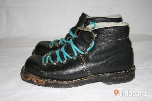 Monot 1960-luvulta Monosen kenkätehdas antoi nimensä monoille.